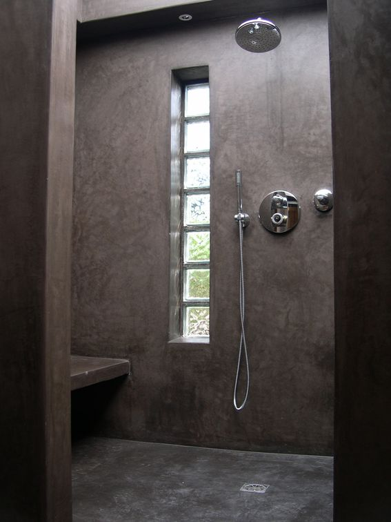 tadelakt de marrakech lahouari tahiri artisan salle de bain douche sol en tadelakt gris. Black Bedroom Furniture Sets. Home Design Ideas