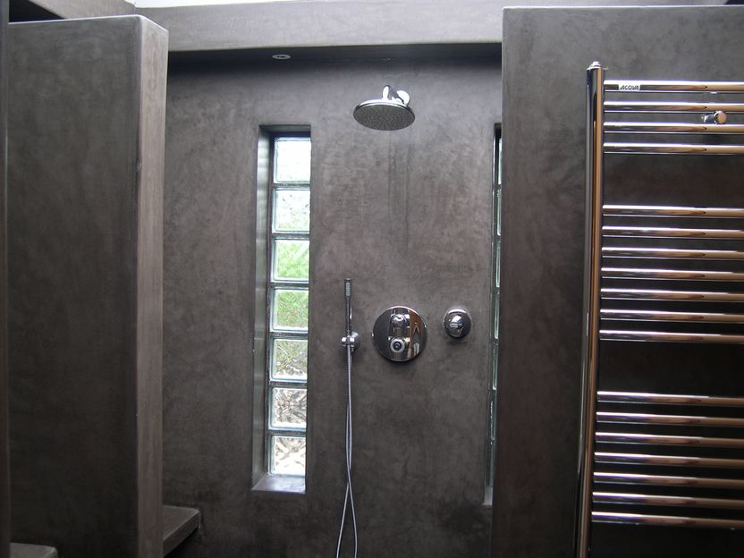 tadelakt de marrakech lahouari tahiri salle de bain douche sol en tadelakt gris anthracite. Black Bedroom Furniture Sets. Home Design Ideas